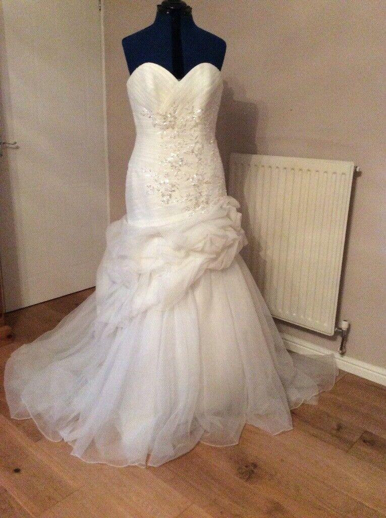 Megan S Wedding Dress.Julian And Adam Wedding Dress Megan Size 14 New Unworn In Barry Vale Of Glamorgan Gumtree