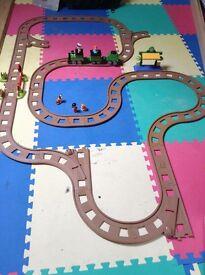 Childs train track