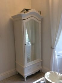 Lovely shabby chic wardrobe