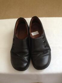 Hotter 'shout' black leather shoes-size 4.5