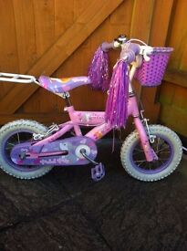 Bunny pedal pets bike in excellent condition,bike,kids bike