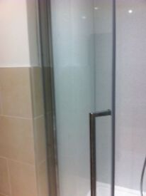 Luxury Novellini Young 2 1B Chrome Clear Pivot Shower Door BNIB - Big Saving £££
