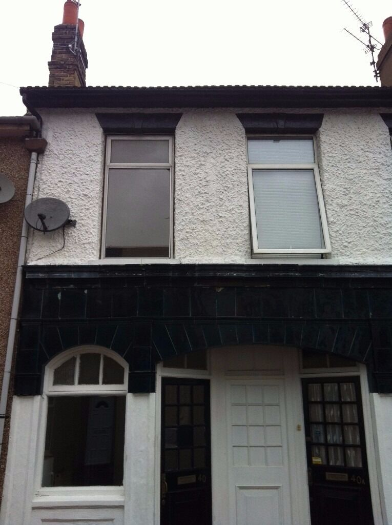 HOUSING BENEFIT AND PETS ACCEPTED 3 Bedroom House in Clyde Street, Sheerness ME12 2QG - £899 pcm