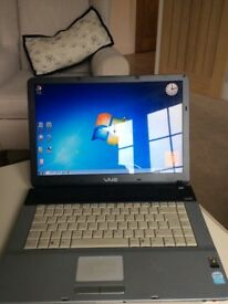 Laptop, Sony VAIO vgnfs515e.