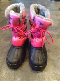 Girls Pink / Black Snow Boots Size 2