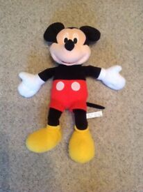 Mickey Mouse Clubhouse Sing and Giggle Mickey