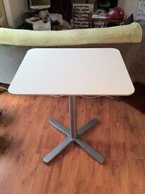 Table for sale - £ 35.00 ono - excellent condition / barely used