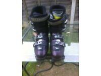 Rossignol XTR High Impact Ladies ski boots Sixe 6 or size 28