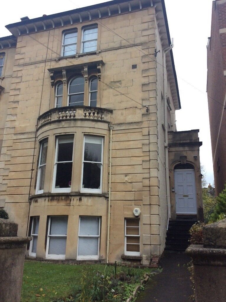 Spacious 1 Bedroom Period First Floor Flat, Chertsey Road, Clifton/Cotham/Redland. No agency fees.