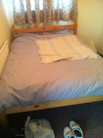 Very confortable double bed and matress with pillow