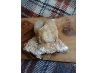 Raw quartz crystal