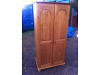 Beautiful solid pine wardrobe in solid and sturdy condition,