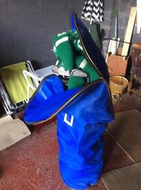Full set of ladies golf clubs and drivers, bag and waterproof cover (right handed)