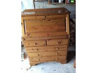 Bureau, Ducal pine in good condition.