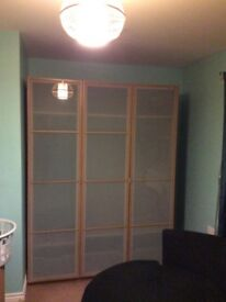 Bedroom wardrobe for sale only £100 in good condition