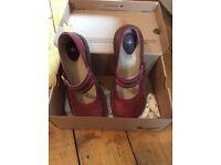 Dr martins - sandals/shoes