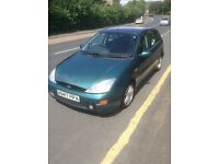 FORD FOCUS 2000 (W reg), FULL YEARS MOT, RECENTLY SERVICED, GREAT CAR, -- £350 ONO -- for fast sale