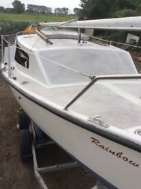 18ft sailing boat yacht with 6hp Yamaha outboard with trailer