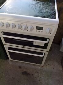 hot point white ceramic electric cooker..mint free delivery