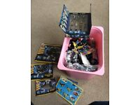 Box of Doctor Who Lego, Figures and a variety of Lego vehicles