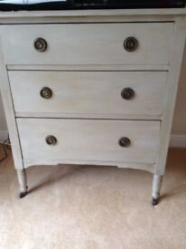 Shabby chic pale grey painted chest of drawers