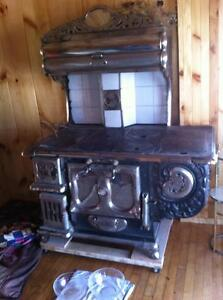 Antique cook stove London Ontario image 1