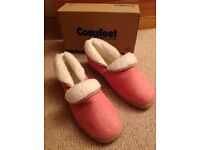 Women's pink cosyfeet slippers size 9, BNIB