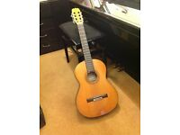 Classical Guitar Ryoji Matsuoka M60 - High Quality Instrument at a good price.