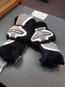 DeBeer lacrosse arm pads -U- silver/black (sku: Z06280)