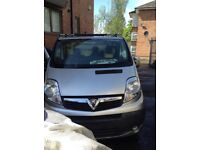 2012 VAUXHALL VIVARO IN SILVER BREAKING FOR SPARE PARTS