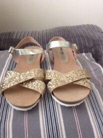 Ladies Gold Leather Sandals, Size 7