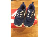 Nike Roshe trainers in size infant 9.5