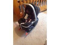 Baby car seat + ISOFIX base