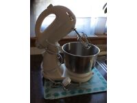 Food mixer with stand