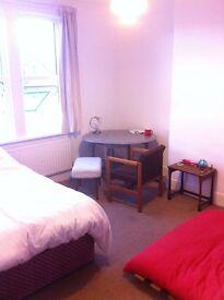 Large, sunny, double room. Quiet St. Southville £525pcm