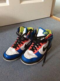 Nike high op trainers