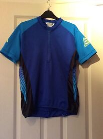 Cannondale mens medium cycling top.