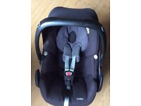 Newborn Maxi-cosi car seat