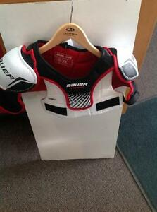 Bauer Vapor Hockey Shoulder Pads (sku: Z13528)