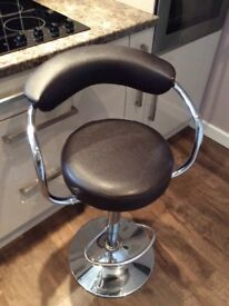 Set of 3 adjustable height kitchen bar stools £10 each
