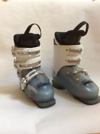 Girl's ski boot made by Atomic 21/21.5cm ( Startrite size 1.5)