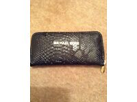 Brand new full zip black purse