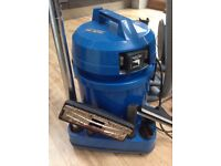 Draper wet and dry vacuum cleaner with attachments. Requires new seal and filter