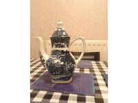 1950s country inns teapot
