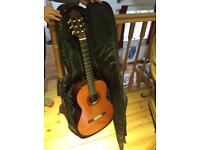 Yamaha C-40 classical style with soft case