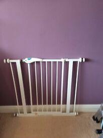 Lindam adjustable easy fit plus safety gate