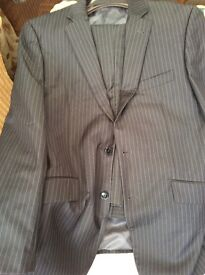 Two piece man suit ( excellent condition)lovely quality suit