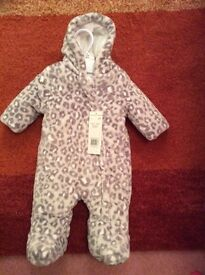 Baby Snow Suit 0-3 month BNWT