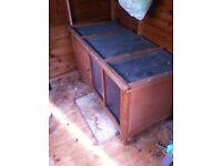 Hutch for rabbits / guinea pigs