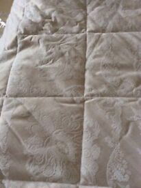 Dorma Double Quilt and scatter cushions